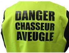 gilet-fluo-danger-chasseur-aveugle91389767