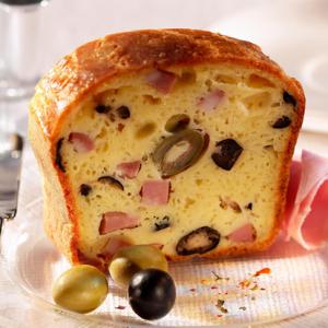 cake-jambon-olives-et-camembert-le-rustique-414x414